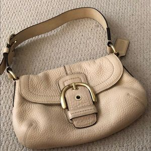 GUC- Coach light beige pebbled leather bag